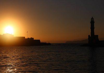 Západ slunce a egyptský maják